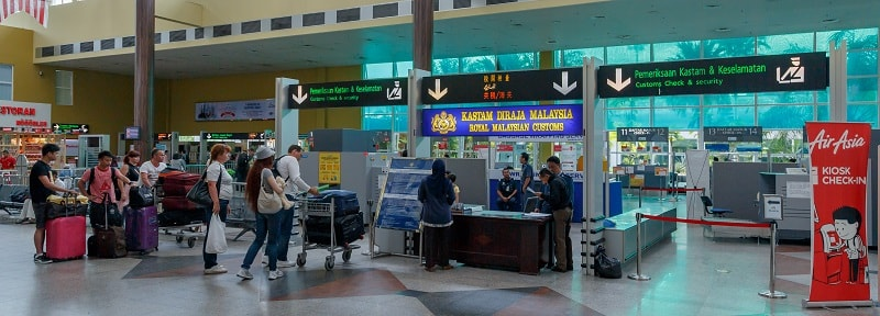 Таможенный контроль в аэропорту Лангкави