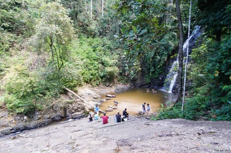 Водопад дуриан в сухой сезон