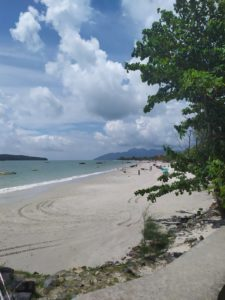 Пляж Pantai Chenang