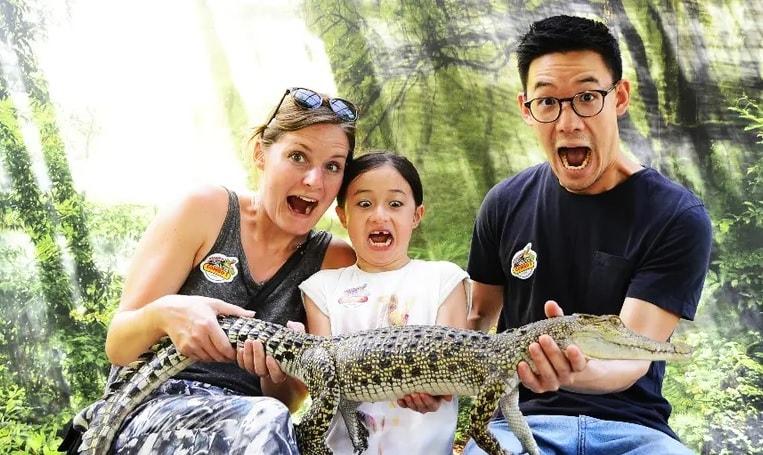 фото с крокодилом на ферме