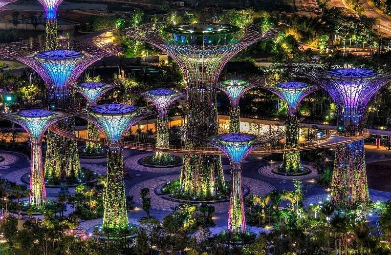 Знаменитые сады у залива в сингапуре
