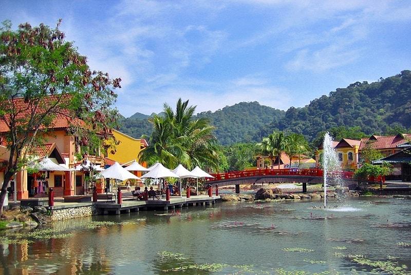 Oriental Village что посмотреть